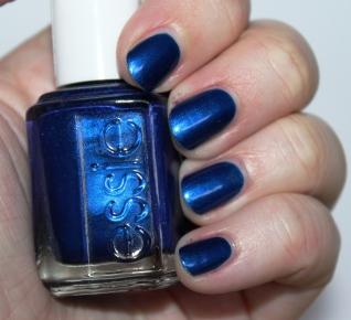 essie_aruba_blue_nail_polish_vernis_ (8)